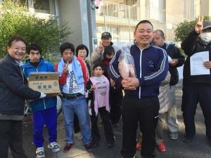 20151201_鶏肉寄贈_ニュース用01_resize