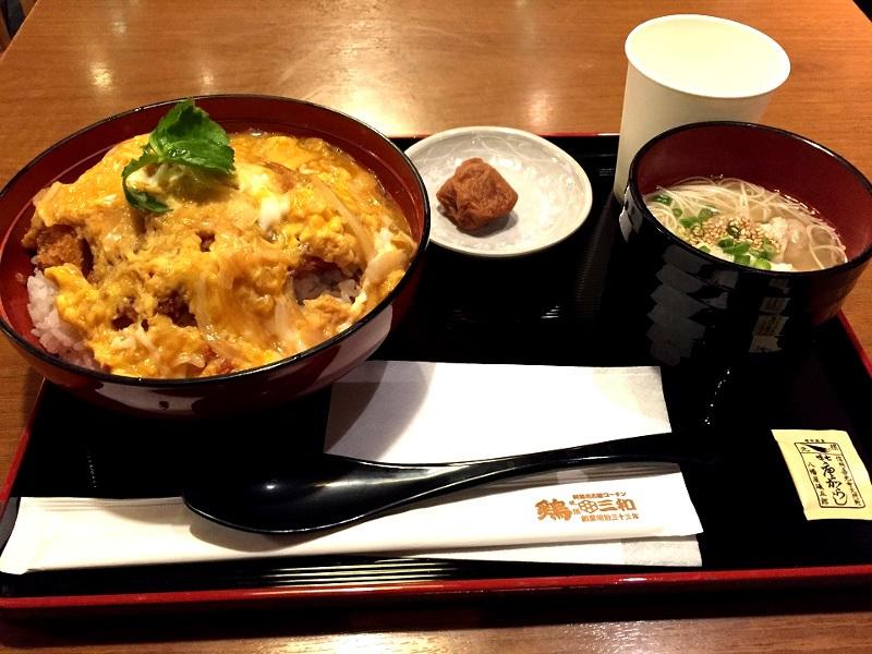 鶏三和の鶏かつ丼鶏そばセット(鶏三和 関西国際空港店)