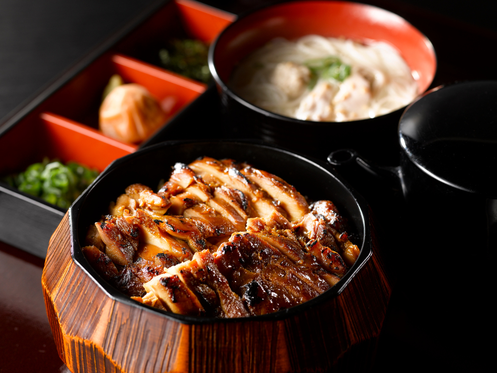 三和の純鶏名古屋コーチン鶏まぶし膳 鶏そばセット(鶏三和)