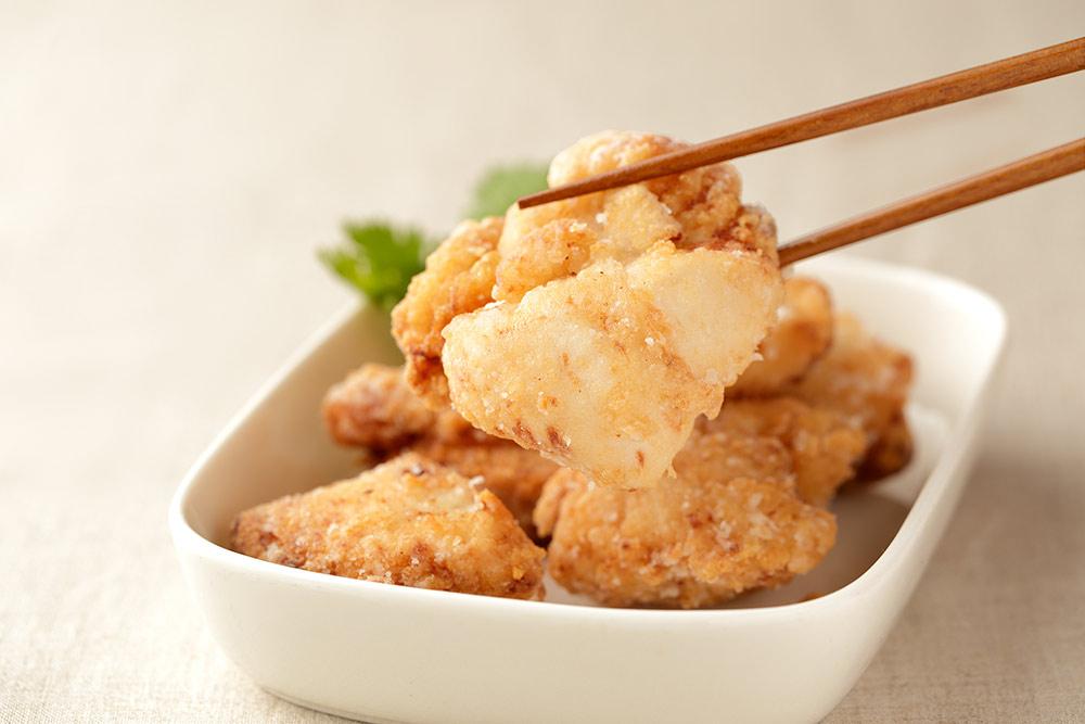 しお麹唐揚(調理イメージ)