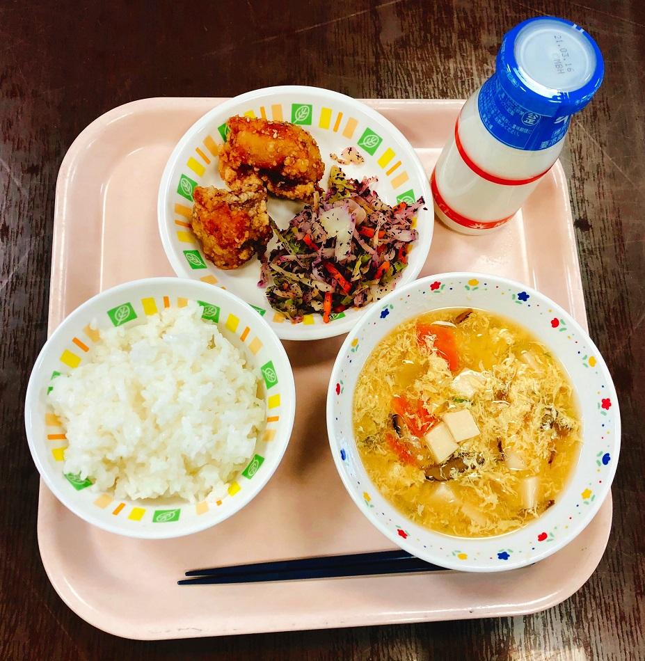 寄贈した鶏肉が提供された日の給食