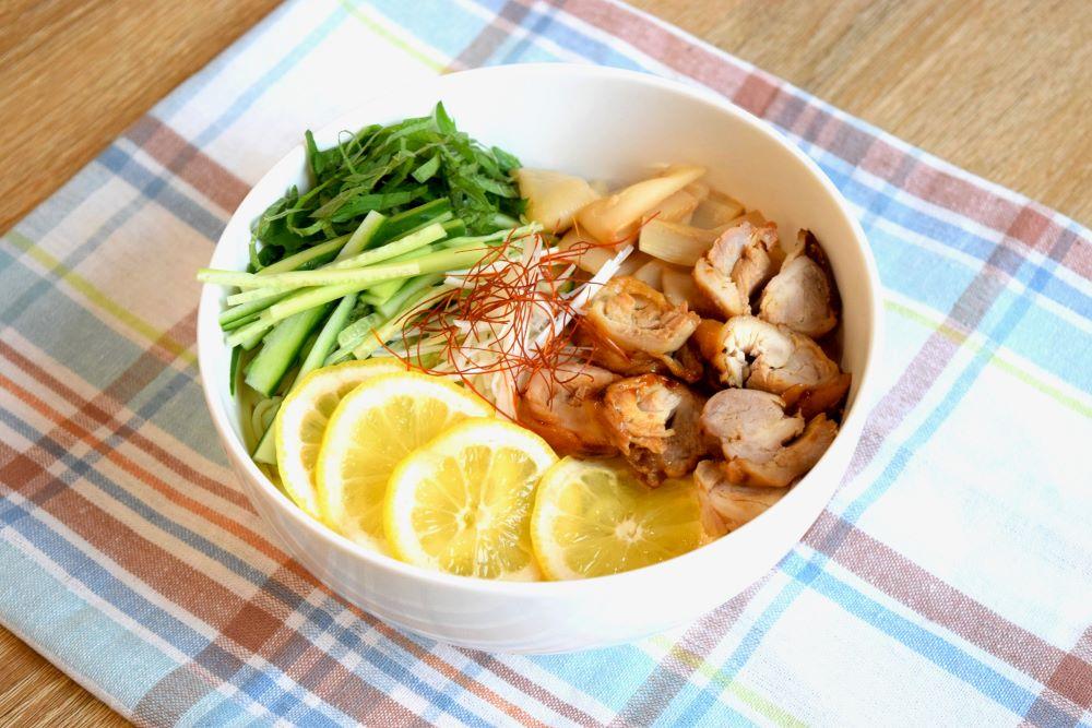 鶏チャーシューの冷やしレモン中華のレシピ